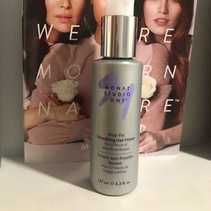 Monat Frizz-Fix Smoothing Hair Primer